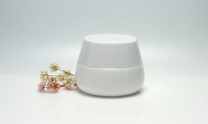 opaque white glass cosmetic jars for facial mask